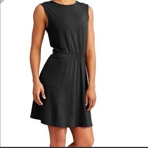 ATHLETA Lively Dress in Black Size large NWT